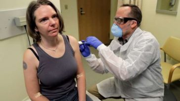 US volunteer gets 1st shot of test vaccine